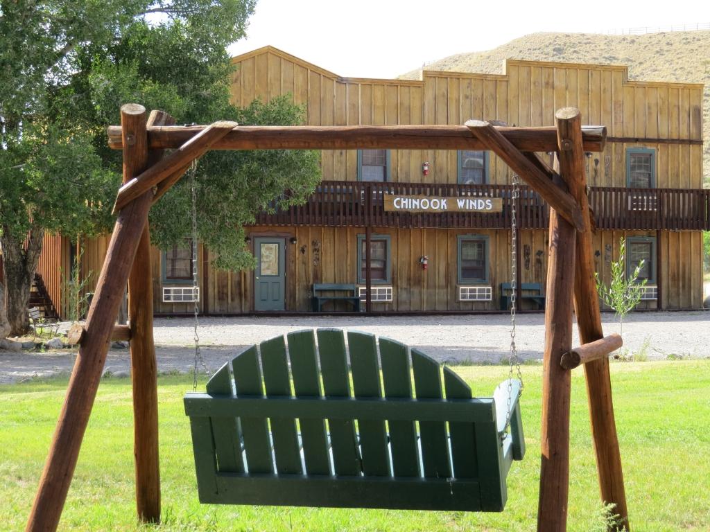 Chinook Winds Motel